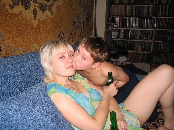 порно фото брата с сестрёнкой