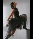 3. Платье в пол с открытой спиной.  К тому же, оригинальность образа...
