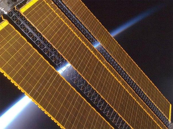 солнечная батарея для зарядки аккумулятора автомобиля