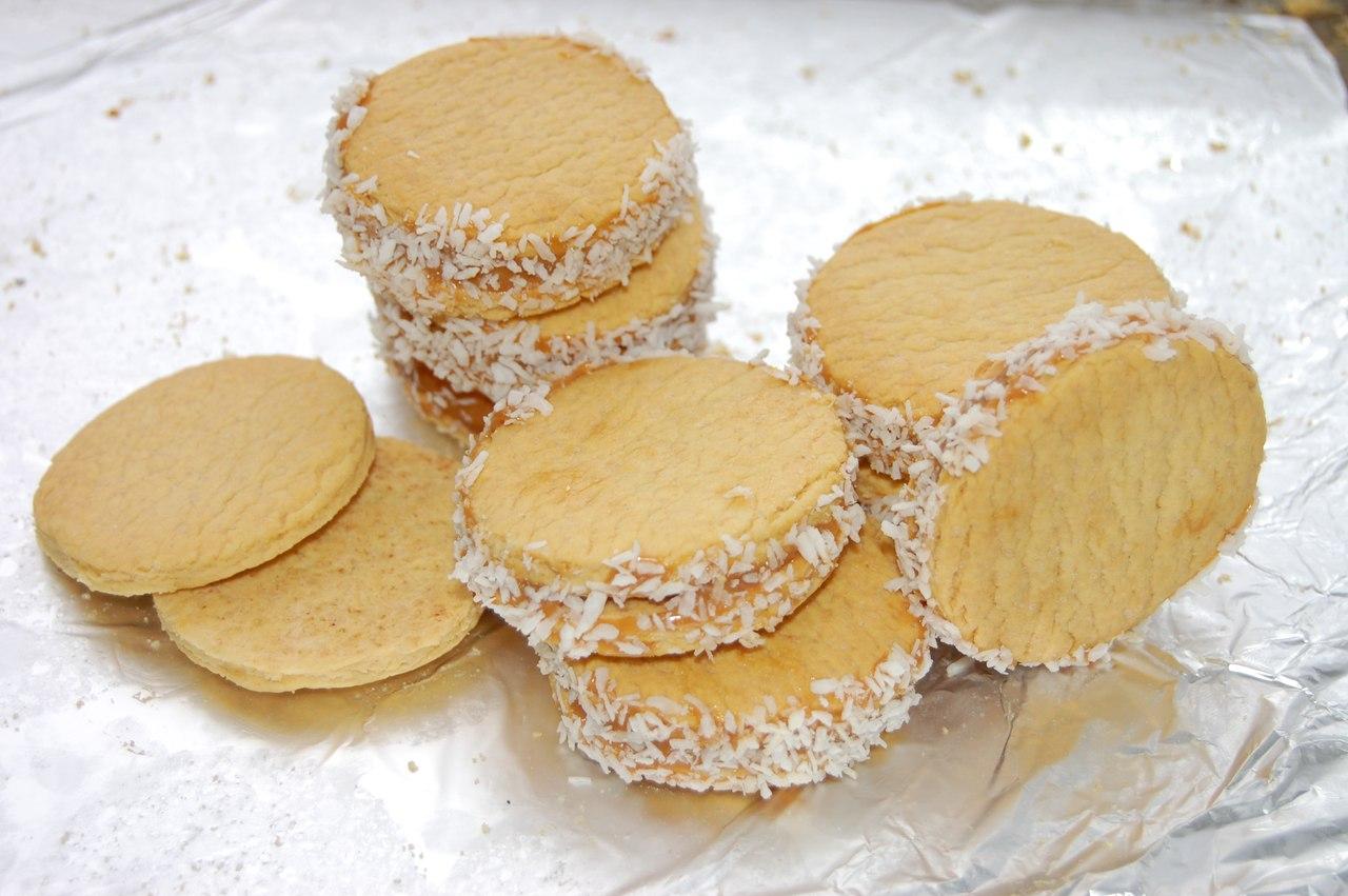 Песочное печенье со сгущенкой рецепты