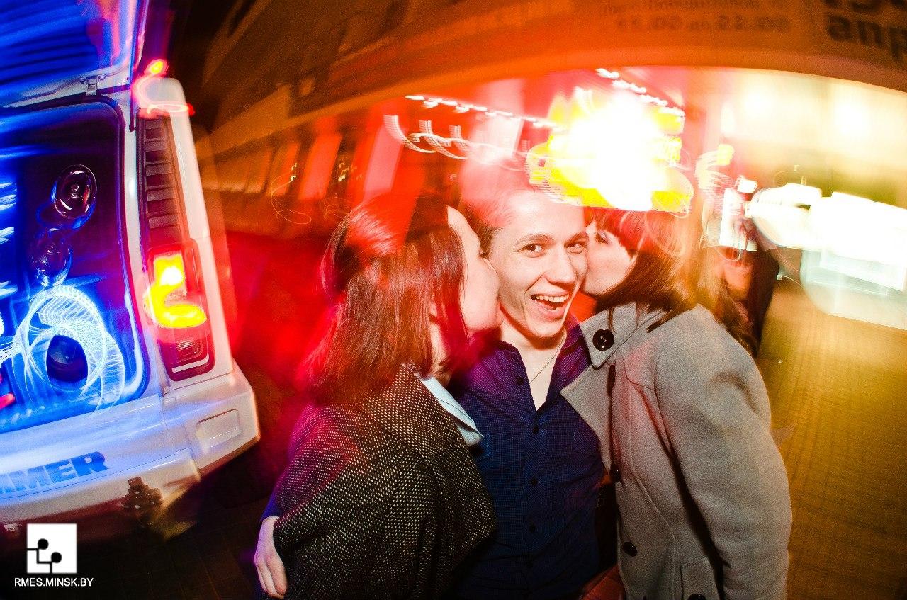 Фото сексуальных девушек в клубах 11 фотография
