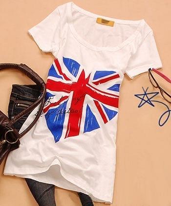 Футболка с британским флагом.