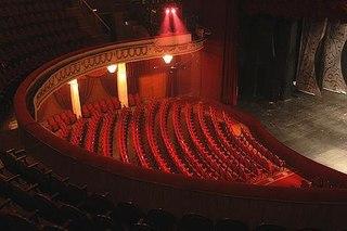 """Недавно в Театре Эстрады наконец-то состоялась долгожданная премьера спектакля  """"Сбитый летчик или рашен факинг шоу..."""