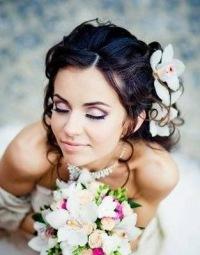 """На нашем женском портале  """"Дамочка """" Вы в любой момент можете отыскать публикацию - свадебные макияж 2012..."""