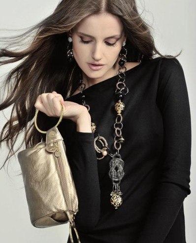 Для современной женщины вечерняя сумочка - верный и незаменимый спутник...