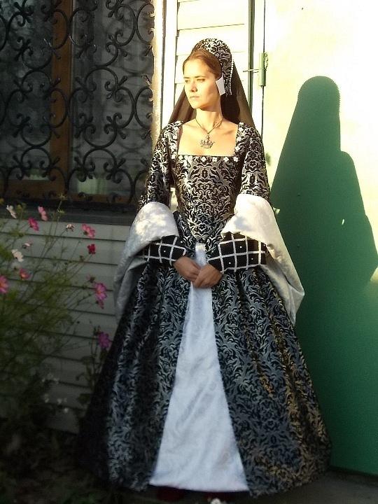 Платья 14 века