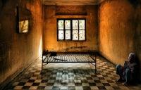 """тюрьма  """"S 21 """", в которую во времена зверского..."""