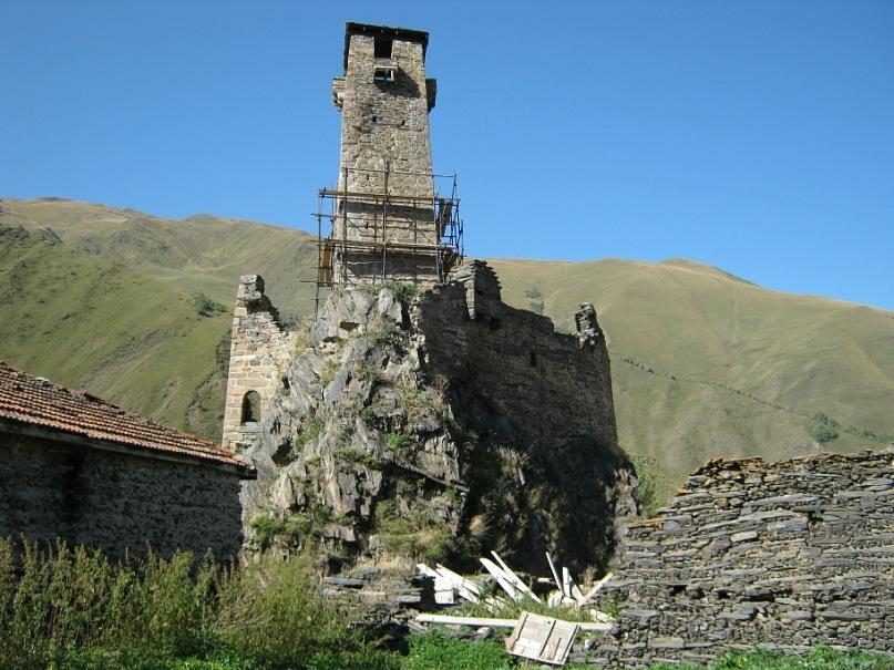 крепость с башней в Сно
