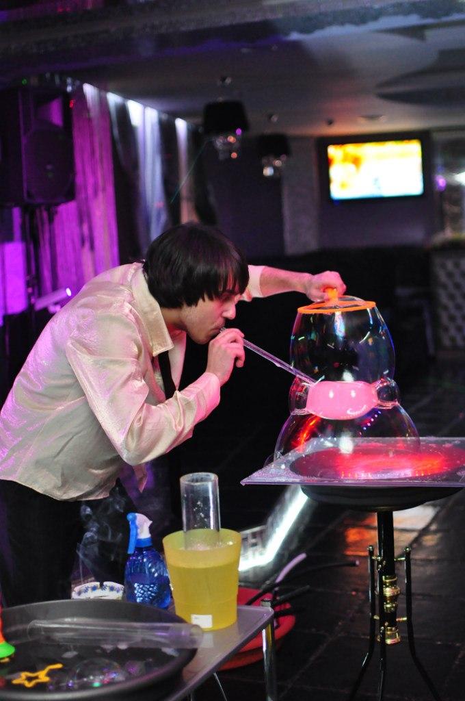 Столик для шоу мыльных пузырей своими руками 61