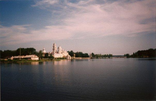 http://cs1070.vkontakte.ru/u718636/10517962/x_99374123.jpg