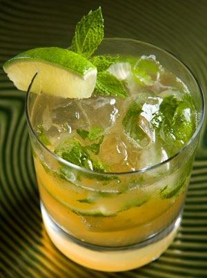 Коктейль Мохито - отличный освежающий, как алкогольный, так и...
