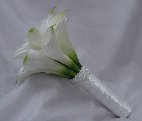 Свадебный букет невесты из ромашек