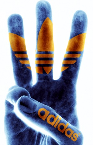 Адидас Hand.