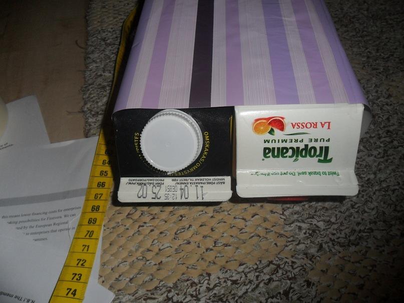буквы сделаны из коробок.вниз ставлю коробки из под сока, где есть такие дырки в которые можно воткунть карандаши.