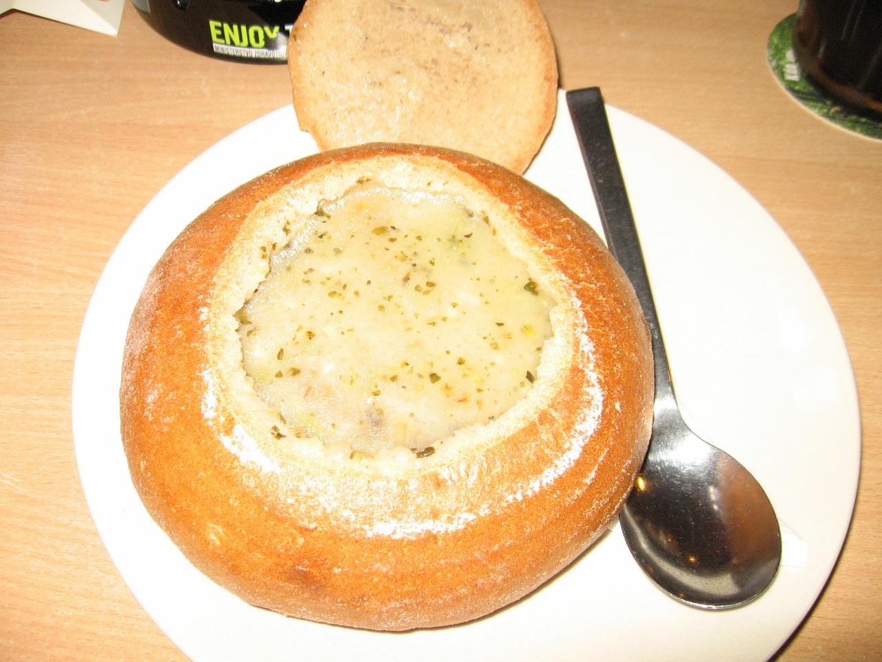 где в праге поесть суп в хлебе