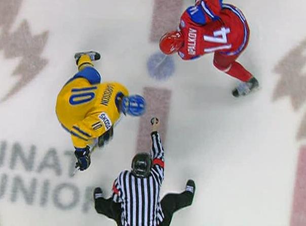 Молодежная сборная по хоккею вернулась из Канады.
