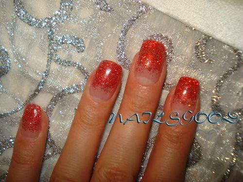 Фото ногтей из геля с блестками
