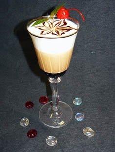 В коктейле чувствуется легкий аромат мяты, которая отлично сочетается со...