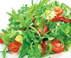Салат с бальзамическим уксусом и помидорами черри