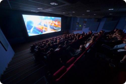 filmi-v-kinoteatre-torgovom-tsentre-klen