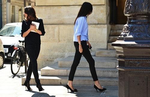 Подборка уличной моды на неделе высокой моды в Париже.