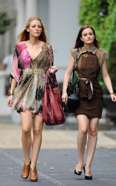 Героини популярного сериала Gossip Girl с сумками Nancy Gonzalez.