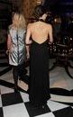 У Бекхем отличные коллекции, все ее платья идеальны и это не исключение...