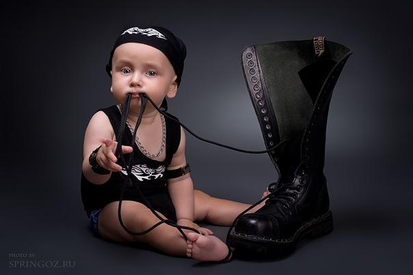 1. детская одежда в стиле рок. http://iggi.com.ua.