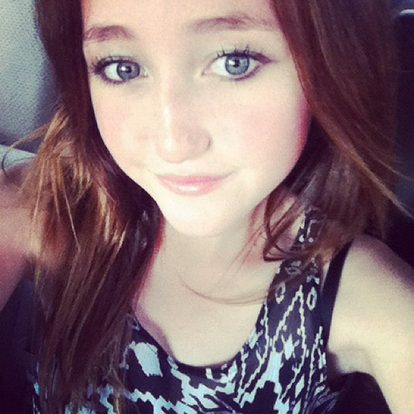 Noah Cyrus updated her profile picture: