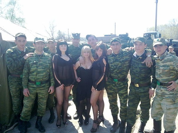 шлюхи в армии фото