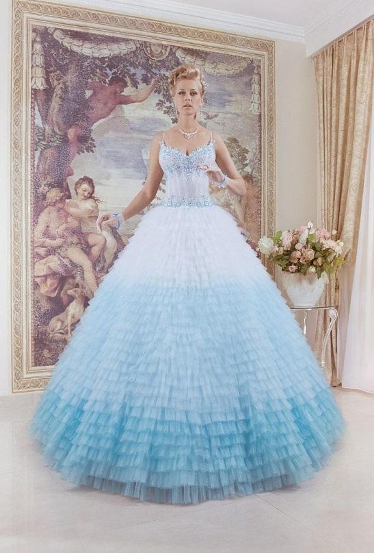 Свадебное платье голубого цвета 7