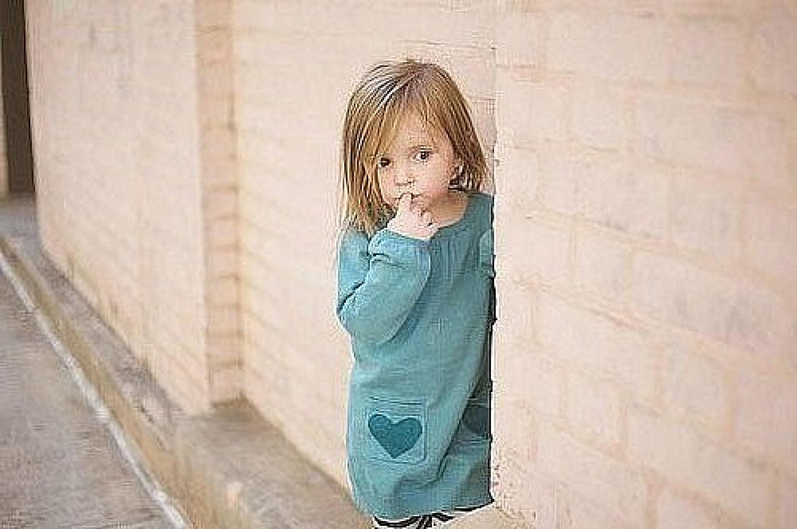 Трахнули очень маленькую девочку 22 фотография