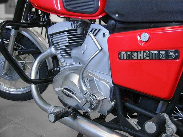 Мотоцикл ИЖ Планета-5 выпускается с 1987 года.