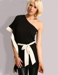 Туника, выше колена, может использоваться как одежда для дома и отдыха.