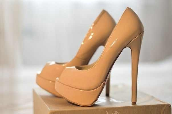 Какие бывают каблуки: венский, клиновидный, рюмочка
