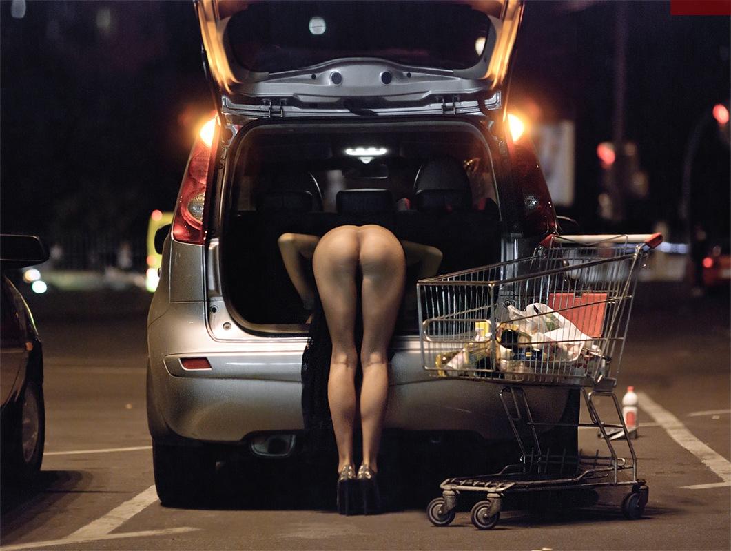 Прикольное фото девушек за рулем голые порнуха 6 фотография