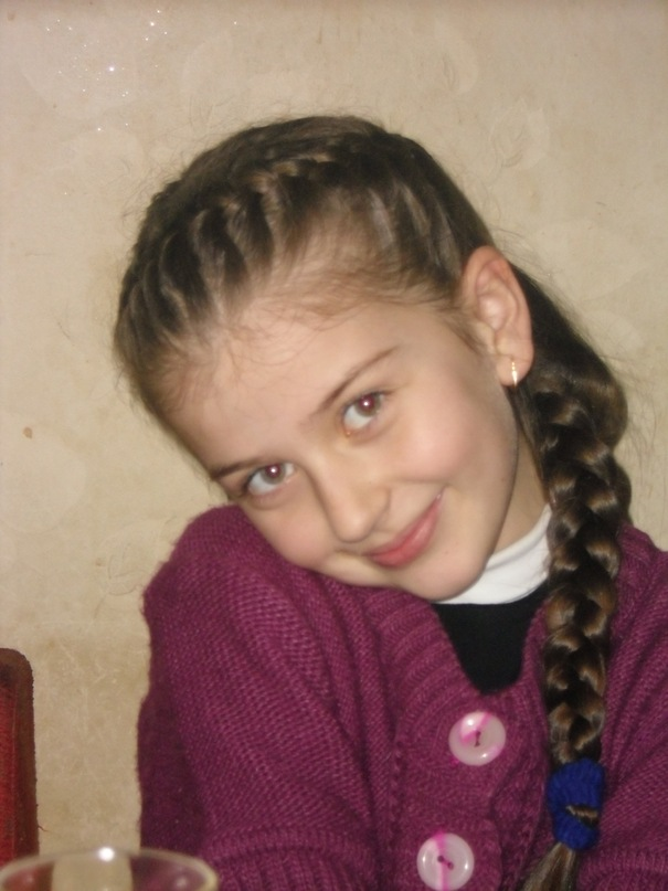 31 июля между 17.30 и 18.00 часами 9-летняя Лукьянович Инна ушла из дома св