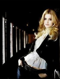 фото никки рид блондинка