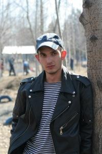 Дмитрий Дубов