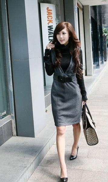 Модные платья и сарафаны на любой вкус. Теплые платья на весну и осень, красивые сарафаны, вечерние платья. Яркие и дерзкие, строгие