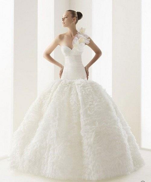 Длинна свадебного платья 2012 В этом сезоне дизайнеры практически...