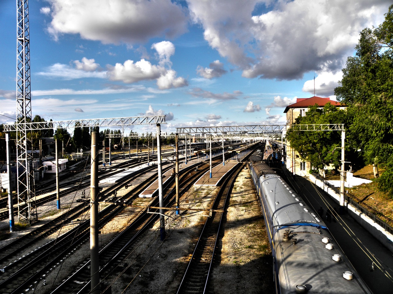 trainshdr