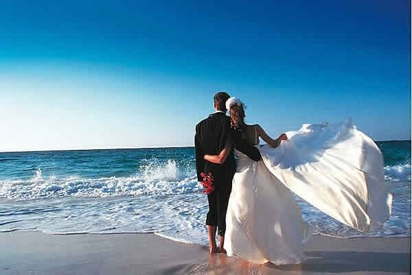Это совсем неизбитые туристические направления, поэтому такое свадебное путешествие...