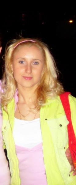Олесенька Поникарова