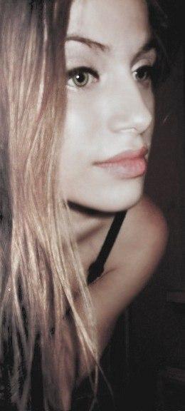 Смотрим на Виктория Клинкова без одежды. Бесплатные секс фотки без порно