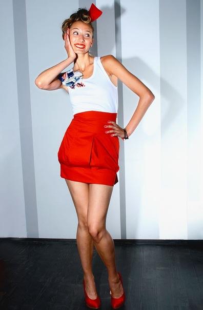 Белое Платье Красные Туфли