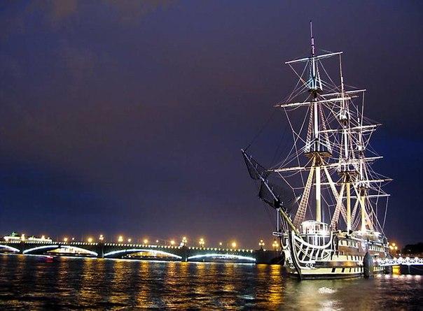 Фото Памятник Петру I, Санкт-Петербург, - туры на tourtime.ru.