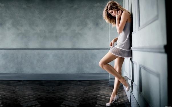 (204) Красивая девушка в белом платье (1.