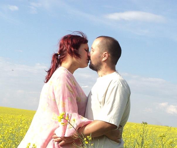 со скольки лет можно целоваться: