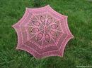 Розовый кружевной зонт- крючок.